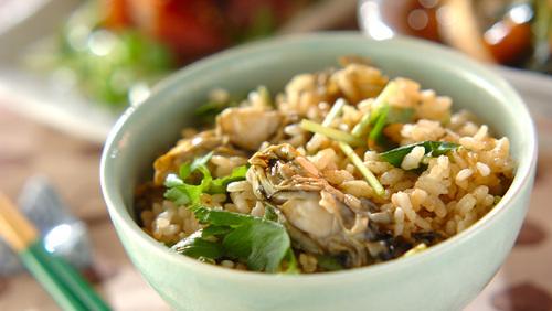 人気 牡蠣 レシピ 牡蠣と小松菜のオイスターソース炒め 作り方・レシピ