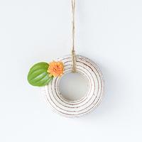 小花を生けたくなるね。山田雅子さんの作る粉引の花瓶たち