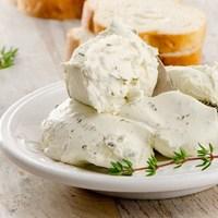 ワインのお供に、お食事に♪一番身近なフレーバーチーズ「ブルサン」