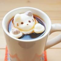 コーヒーに猫や肉球を浮かべて♪「マシュマロ専門店やわはだ」のネコモチーフのマシュマロがかわいい♪