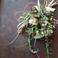 乾いた花も美しいと教えてくれる、栗城三起子さんのリースやスワッグ