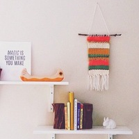 手作りもできるよ♪ お部屋を楽しく飾る「タペストリー」のあるインテリア集
