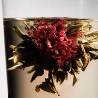 """淹れてキレイ、飲んでキレイ。""""花茶""""でアートなティータイム"""