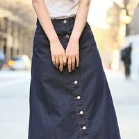 パンツも良いけど…。女子の特権<デニムスカート>でトレンドの着こなしを楽しもう♪