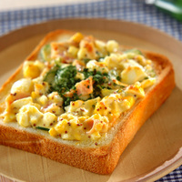 四角いパンに何のせる?朝食やブランチに食べたい【幸せのトーストレシピ】