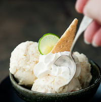 見た目もおしゃれな「アイスクリームスプーン」。その食べやすさを実感してみて♪