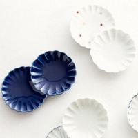 まるでガラスのような質感。【波佐見焼】の豆皿を食卓に並べてみませんか?