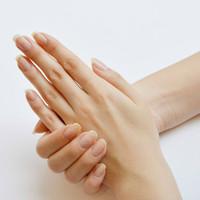 美しさはナチュラルな手元から。タアコバで手に入れる健やかな自爪