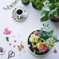 美しく、独創的。インスタグラムで見つけた、花とテーブルの素敵な関係