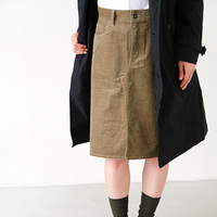 コーデュロイが大好き!ズボンもスカートもシャツもおまかせだね♪