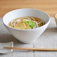 食事をより楽しく!「SUZUGAMA(スズガマ)」のシンプルで美しい器
