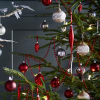 本物のクリスマスツリーも買える!イケアで揃えるパーティーグッズ