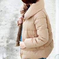 この冬参考にしたい。シンプル&上品な、大人のダウンコートの着こなし
