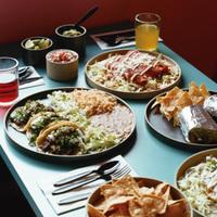 皆が集まる日に。北欧食器&和食器、料理が映える「大皿」7選