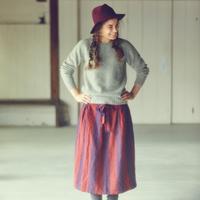 冬こそファッションで「色遊び」。基本ナチュラルに、上手にカラーを取り入れて