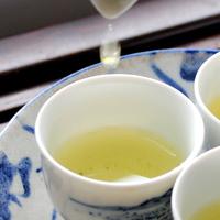 丁寧に緑茶を淹れる生活をしよう。正しい「淹れ方」から「茶がらのレシピ」までご紹介します