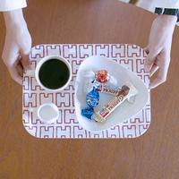 憧れのデザインをもっと身近に。毎日使いたいトレーと紙のテーブルウェア