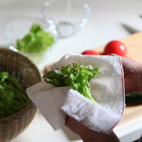 こす・ふく・きる。一度使ったら虜になる、日本の台所道具「さらし木綿」