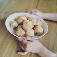 ふわふわ揚げたて幸せのお味♡おうちで手作りしようヘルシーな「豆腐ドーナツ」