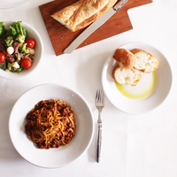 イタリアの定番食器「サタルニア」。シンプルで使いやすいのが良いよね♪