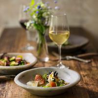 お酒と魚介の美味しい組み合わせ。ワインや日本酒でシーフードを楽しもう