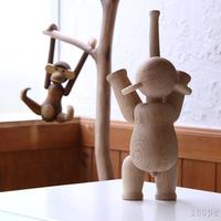 まるで家族の一員! 子どもの成長を見守る、北欧の「木製玩具(オブジェ)」たち