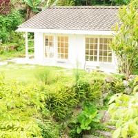 【屋久島】緑の中に佇む素敵な空間。「しずくギャラリー」で出会うジュエリーと絵画
