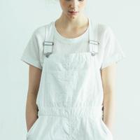 真っ白で柔らかくて清潔で、優しくなめらかな「白Tシャツ」の定番コーデ