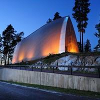 自然をたたえるかのよう。フィンランドのモダン建築を巡る旅へご案内