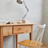 自分らしく育てる家具。経年変化が楽しめるスツール・椅子を部屋に招こう。