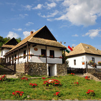 「ハンガリーで最も美しい村」と称される村、ホッロークーを訪れてみませんか