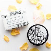 天然由来の心地よい香り。「フォーミュラリー55」のボディケアアイテムで香りを纏う。