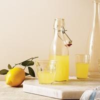 イタリア生まれのレモンのお酒。夏にうれしい自家製「リモンチェッロ」の作り方