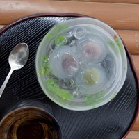 ひんやり冷たい夏の和菓子「水まんじゅう」。おうちで季節を味わうためのレシピ集めました