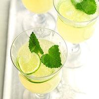 爽やかな風味と香りに癒されて♪ハーブを使った夏のアレンジレシピ