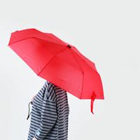ジメジメした梅雨の季節…うれしい機能が詰まった雨をたのしむ『レイングッズ』特集