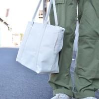 厚手で丈夫、頼りになるね。普段使いに丁度いい「佐藤防水店」のトートバッグ