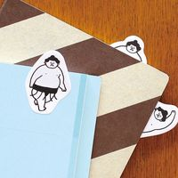 くすっと笑えるものから癒し系まで。手帳やノートを楽しく彩る付箋(ふせん)たち♪