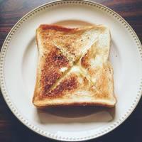 食パンの中からアツアツとろ~り♪「チーズフォンデュトースト」の作り方・アレンジレシピ