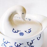 曲線の美しさと可愛らしさ。キュートな女性陶芸家「エヴァ・ザイゼル」のデザインをご紹介
