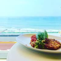 都心から1時間で南国気分♪夏が終わっても楽しめる「海が見えるカフェ・レストラン」@鎌倉