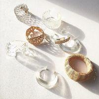 繊細で優美な透明感*ガラスアイテムをファッションやインテリアに取りいれて♪