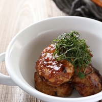カロリー控えめが嬉しい!肉あり・肉なし、和風やあんかけも「豆腐ハンバーグ」レシピ集