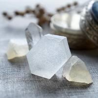 宝石みたいに甘くてかわいい♪【琥珀糖】のひとくちお菓子レシピ