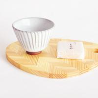 自然の恵みがはぐくんだ木目の美しさを食卓に。「ユイテーブルウェア」の木製プレート