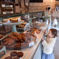 """思いっきりほおばる幸せ。""""パン食べ放題""""の素敵なカフェ@東京"""