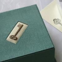小窓の刺しゅうにほっこり♪デンマーク生まれの刺繍小箱『エスカ』の作り方&アイデア集