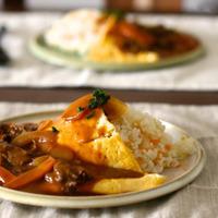 卵は薄い派?たっぷり派?とろける美味しさ、基本の「オムライス」とアレンジレシピの作り方