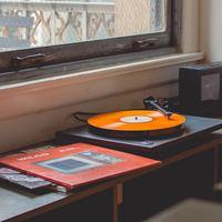 おうちカフェは音楽で雰囲気を♪ ごきげんな休日を過ごせるカフェミュージック