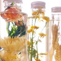 """思わず見とれる美しさ。お花を閉じこめた""""飾る植物標本""""「ハーバリウム」"""